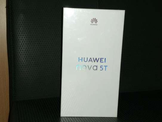 Huawei nova 5t Brand New and sealed in a shop. image 1