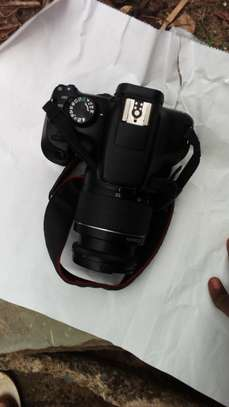 1300d DSLR camera with kit lens image 2