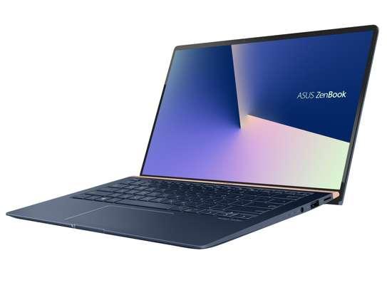 ASUS ZenBook 14 10th Gen Intel Core i7 16GB 512Gb SSD 14 Inch image 3