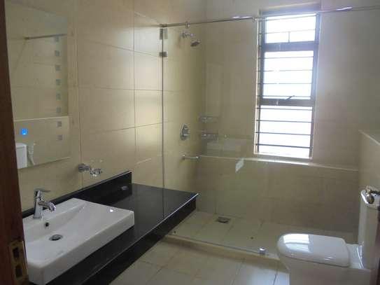6 bedroom house for rent in Runda image 19