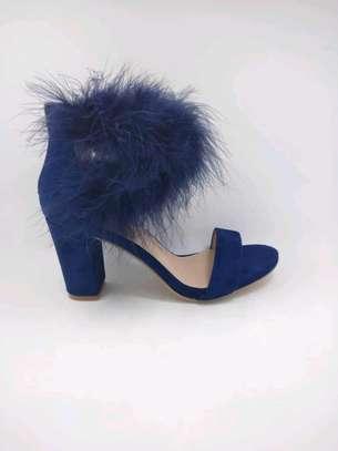 Ladie chunky heels image 3