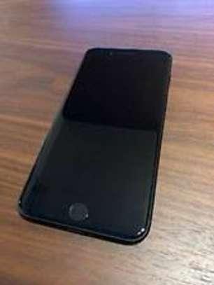 iPhone 7 Plus 128GB image 2