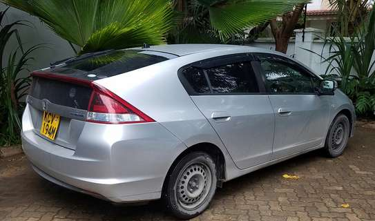 Honda Insight 2012model, New shape image 3