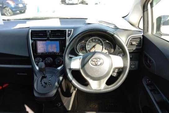 Toyota Ractis image 5