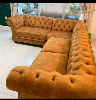 New modern 6 seater Chesterfield image 1