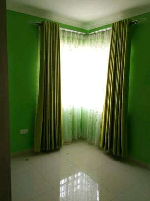 Beautiful and well designed curtains image 3
