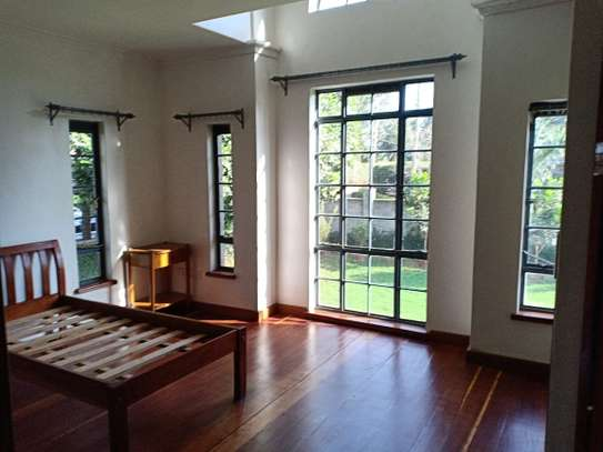 5 bedroom house for rent in North Muthaiga image 5