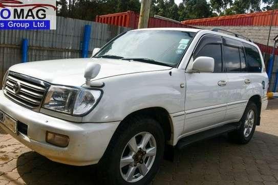Toyota Land Cruiser image 3