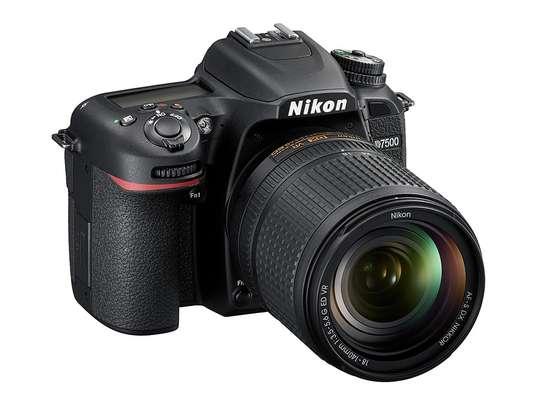 Brand New Nikon D7500 DSLR Camera with 18-140mm Lens