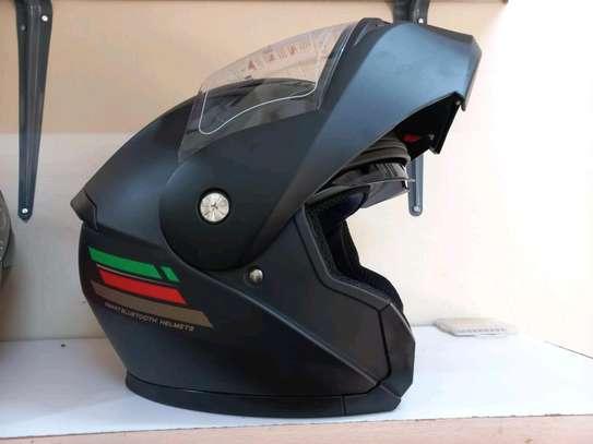 Motorcycle helmet image 1