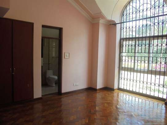 4 bedroom house for rent in Thigiri image 12