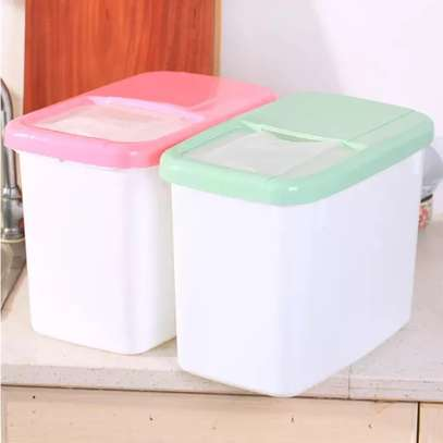 Thickened Storage Box with Lid  and measuring cup image 1