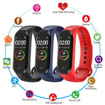 Waterproof, Health & Fitness Tracker, Touch image 1