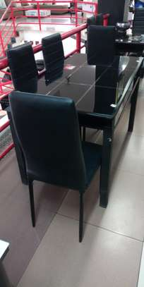 Dining table Ked image 1