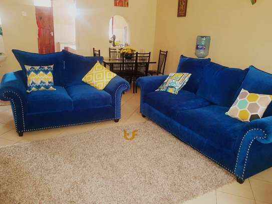 5 seater pillowed couch image 1