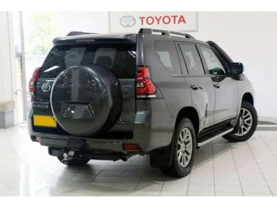 Toyota Land Cruiser Prado image 12