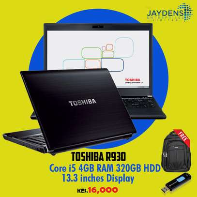Toshiba R930  Core i5 / 4GB Ram /500GB HDD