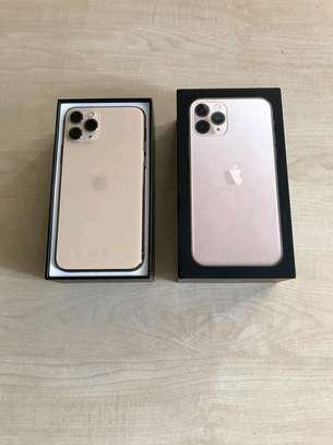 Apple Iphone 11 Pro 512 Gigabytes Gold image 1