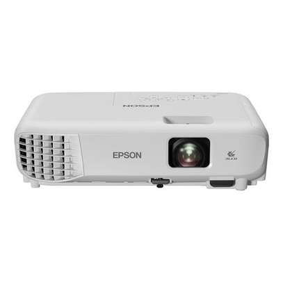Epson EB-E01 3LCD, Portable XGA Projector - White image 1