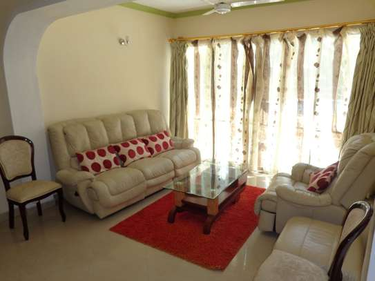 4 br fully furnished house with swimming pool for rent in Nyali. ID1529 image 3