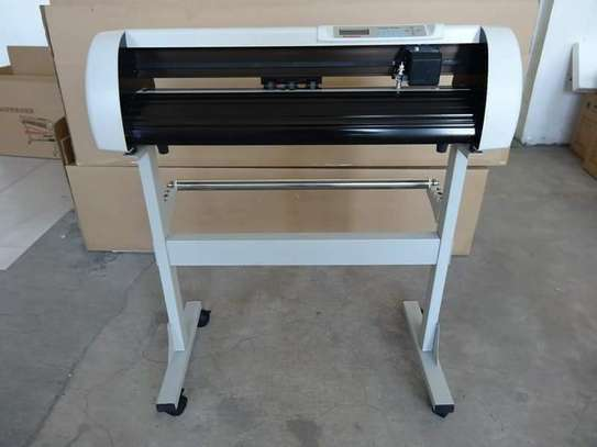 Vinyl redsail cutting plotter machine image 3