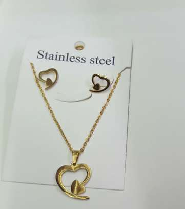 Stainless steel earing and necklace set image 2