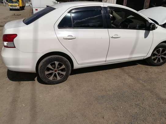 Toyota Belta image 1
