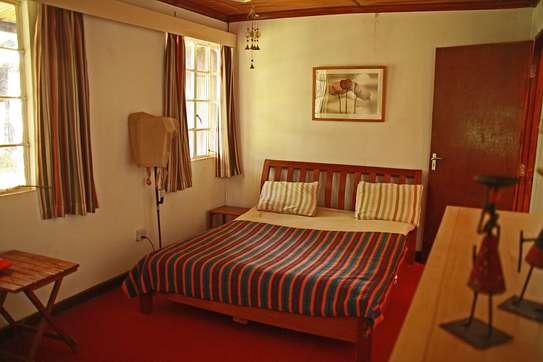 ROOM IN HOUSESHARE IN TIGONI image 3
