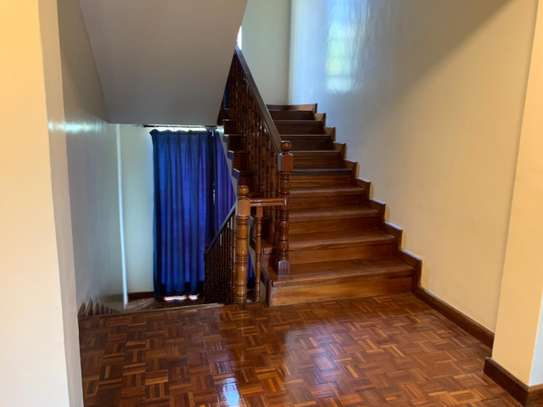 4 bedroom townhouse for rent in Lavington image 12