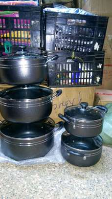 Non stick Sufuria/cooking pot/serving pot/cookware image 1
