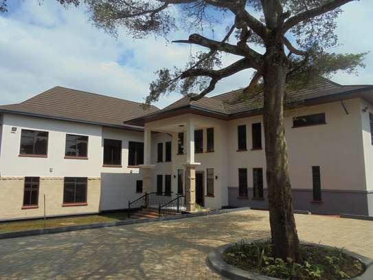 6 bedroom house for rent in Runda image 1