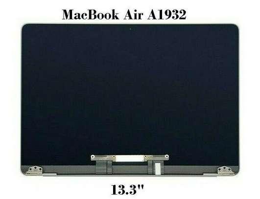 Macbook Screen Replacement image 5