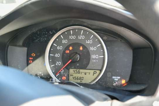 Toyota Axio image 2