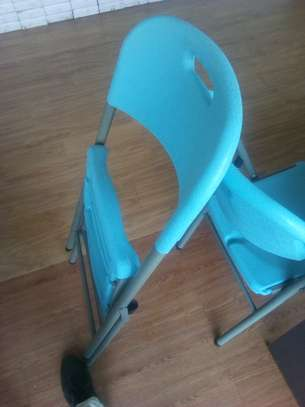 Fordable Chairs image 1