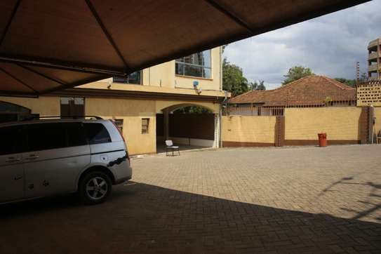 15035 ft² commercial property for rent in Upper Hill image 5