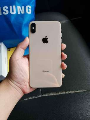 Iphone XS Max image 3