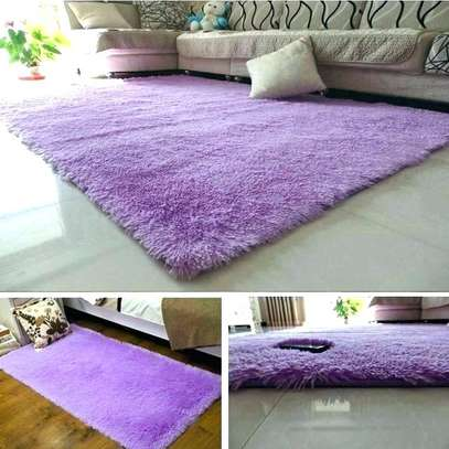 PREMIUM 5*8 FLUFFY CARPET image 3