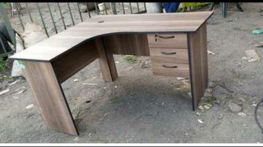 Curved office desk image 1