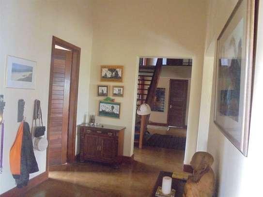 Furnished 3 bedroom villa for rent in Runda image 10