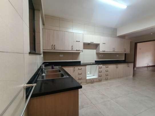 4 bedroom apartment for rent in Parklands image 4