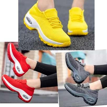 Ladies sneaker image 1