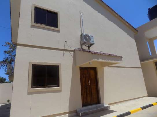 3 bedroom house for rent in Nyali Area image 1