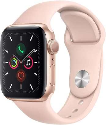 Apple watch Series 5 40mm image 1