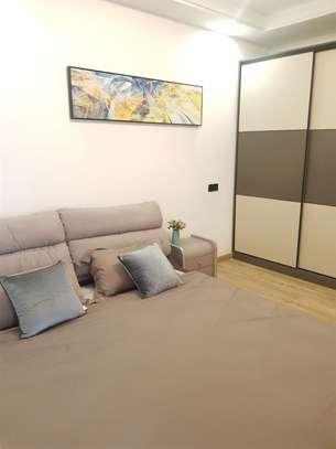 Lavington - Flat & Apartment image 6