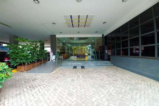 7200 ft² office for rent in Kilimani image 5