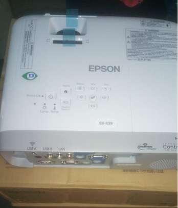 Epson Projector EB X39-3500lumens image 1