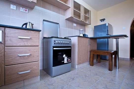 Greenspan 2 Bedroom Apartment Master En suite image 3