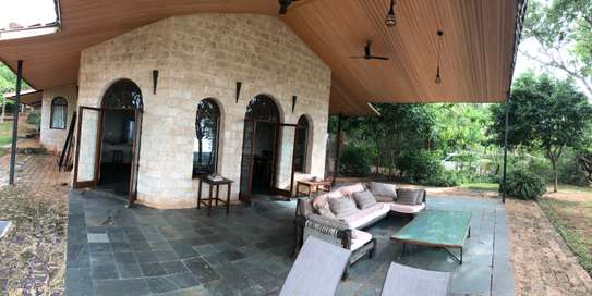 3br villa with two SQ rooms for rent in Vipingo Ridge. Hr18 image 1