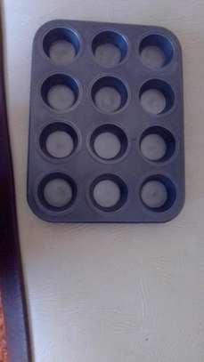 Muffin baking trays image 1