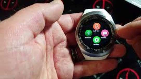 Y1 Smartwatch Bluetooth image 1